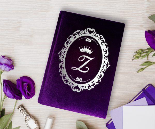 Violetinė darbo knyga