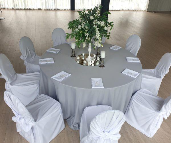 Pilkos staltiesės